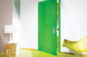 cử gỗ tự nhiên, cửa gỗ màu xanh lá, cửa gỗ bền đẹp